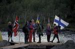 König Harald begrüßt Präsident Koivisto
