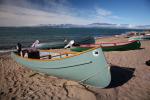 Boote am Strand von Pond Inlet