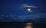 Mond über Kvaløya