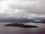 Insel Håkøya vor Insel Kvaløya
