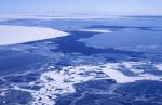 zerfallendes Treibeis in Antarktis