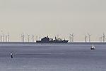 Windpark und Schiffe bei Helgoland
