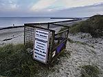 Müllbehälter am Strand von Helgoland