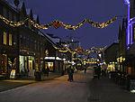 Weihnachtszeit in Fußgängerzone von Tromsö