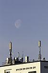 Mond über Antennen