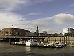 Barkassen im Zollkanal in Hamburg