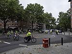 Schüler beim Fahrradtraining mit Polizei