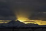 Sonnenuntergang hinter Bentsjordtinden