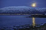 Mondmorgen über Tromsö und Kvalöya