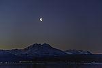 abnehmender Mond über Bentsjordtinden