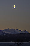 abnehmender Mond über Trolltinden