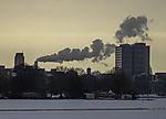 Rauch aus Schronstein über Hamburg