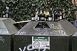 übervolle Flaschencontainer