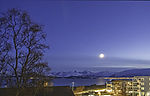 Frühlingsmond über Tromsö