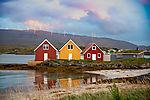 Ferienhütten und Windpark auf Insel Hillesöya
