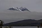 Wolken und Neuschnee auf Bentsjordtinden